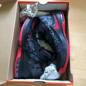 Nike Air Max Infuriate 2 Mid Basketball Shoes